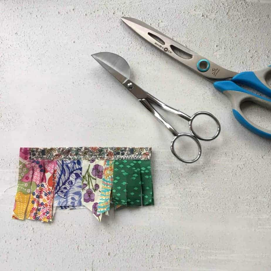 Tutorial - fabric tassel zip pull or charm by fabricandflowers   Sonia Spence