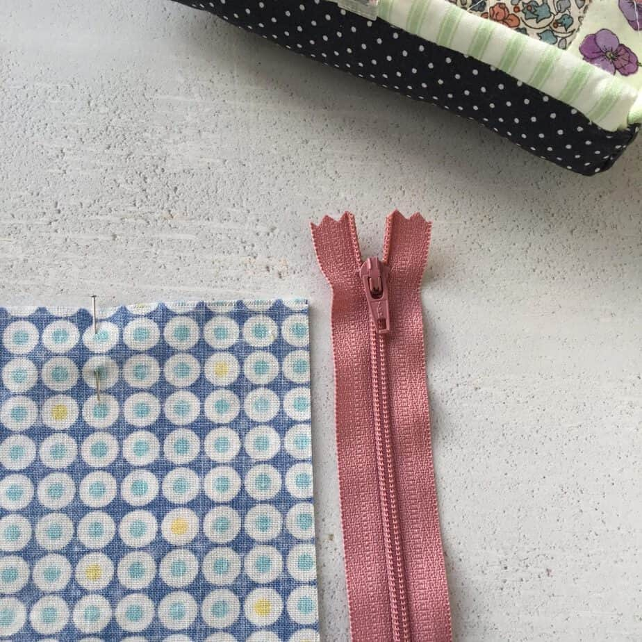 5 top tips for how to insert zippers easily and quickly in to projects such as bags, pouches and cushions