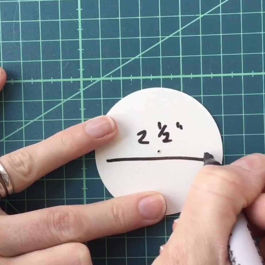 How to make and sew applique circles using the tin foil method